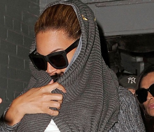 Beyonce With Baby Blue