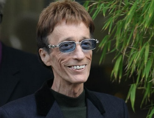Robin Gibb 'In Coma, Has   Days To Live'