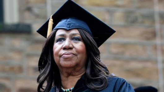 Aretha Franklin receives honorary Doctorate of Music degree from Princeton