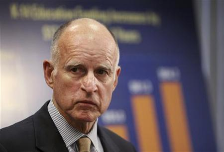 California Governor Jerry Brown announces his revised budget proposal at a press conference in Los Angeles, California May 14, 2012. REUTERS/David McNew