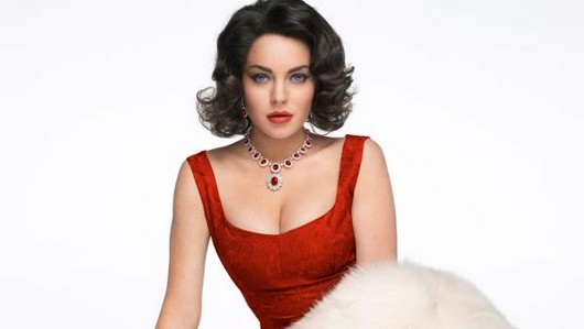 Lindsay Lohan released from hospital after car crash, headed back to work