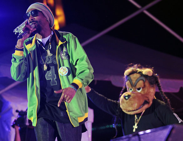 Snoop Dogg Changes Name To 'Snoop Lion' To Release Upcoming Reggae Album