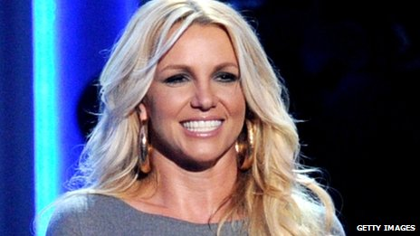 Britney Spears' former manager accuses her of drug use