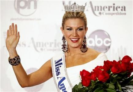 Miss America 2013 Mallory Hytes Hagan, 23, Miss New York, poses during a news conference after winning the Miss America Pageant in Las Vegas January 12, 2013. REUTERS/Steve Marcus