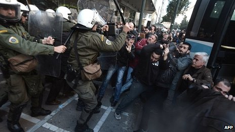 Greek protesters storm Athens office of labour minister