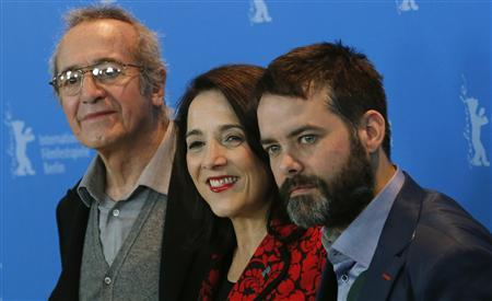 "Director Sebastian Lelio (R-L), actress Paulina Garcia and actor Sergio Hernandez pose during a photocall to promote the movie ""Gloria"" at the 63rd Berlinale International Film Festival in Berlin February 10, 2013. REUTERS/Tobias Schwarz"