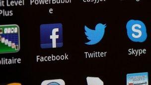 Saudi Arabia 'threatens Skype ban'