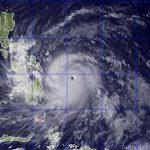 Thousands flee in Philippines