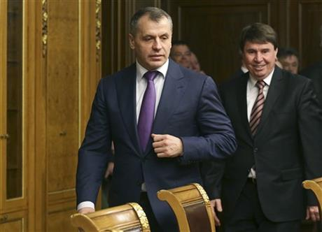 Crimea's prime minister Sergei Aksyonov, center