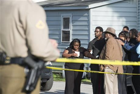 US, eight dead in home