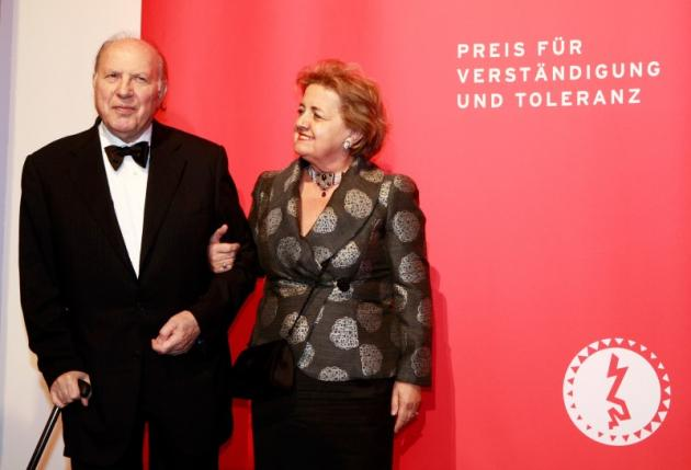 Hungarian Nobel Prize in Literature winner Kertesz and his wife Marta pose before a ceremony at the Jewish Museum Berlin