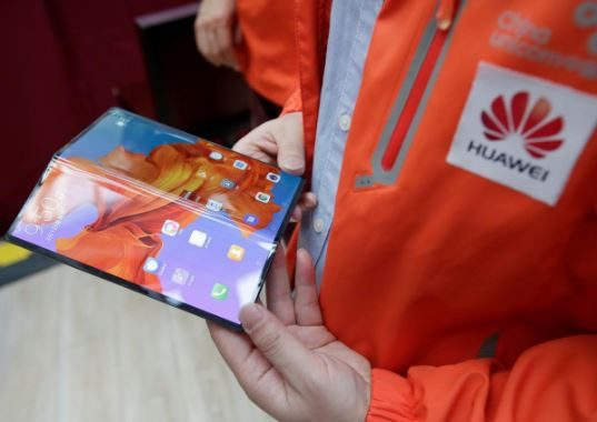Huawei Mate X smartphone with 5G network
